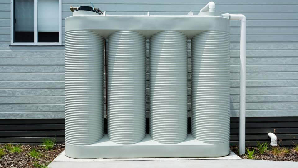 Maison autonome avec système de collecte des eaux de pluie